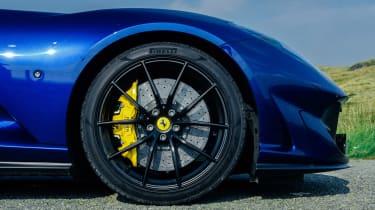 Ferrari 812 GTS TDF blue - detail wheel
