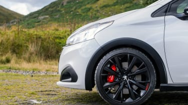 Peugeot 208 GTi by Peugeot Sport vs Renault Sport Clio 200 Cup - front