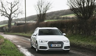 Audi A4 Avant - front