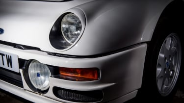Ford RS200 - lights