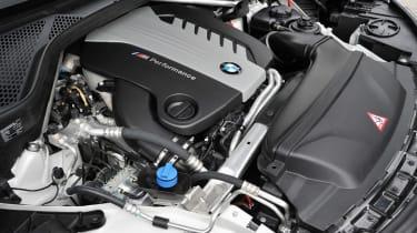 BMW X5 M50d engine bay
