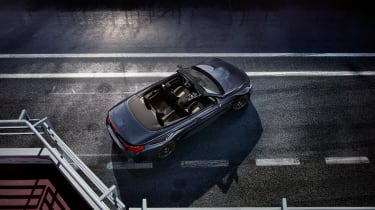BMW M4 Convertible Edition - top