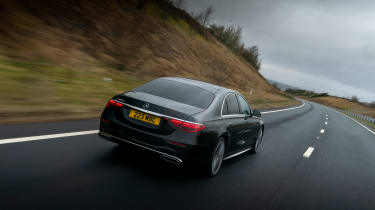 Mercedes S-class – rear tracking