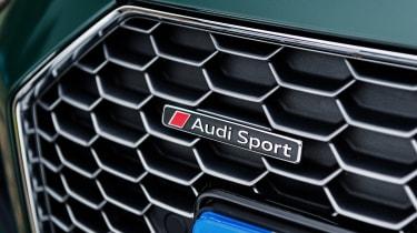 Audi R8 V10 Plus Spyder – Audi Sport badge