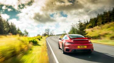 Porsche 911 Turbo S tracking