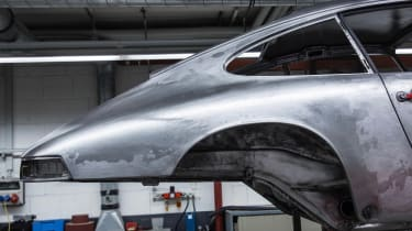 Porsche 911 barn - body
