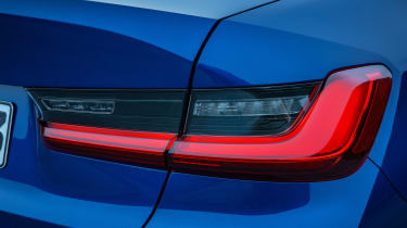 BMW 3-series G20 revealed - M Sport more lights