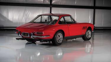 Ferrari 330 GTC – rear quarter