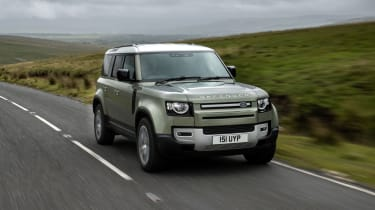 Land Rover Defender PHEV – tracking