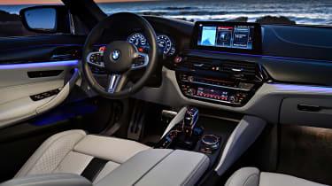 BMW M5 review - dark dash
