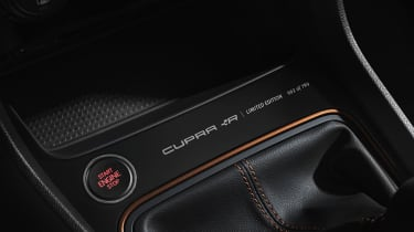 SEAT Leon Cupra R – limited edition plaque