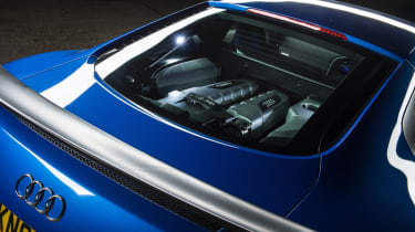 Audi R8 LMX night drive - engine cover
