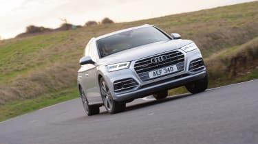 Audi Q5 S Line TFSI - front 3/4