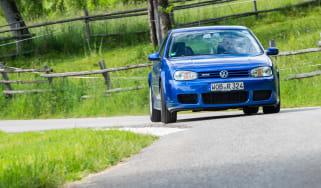 Volkswagen Golf R32 front cornering