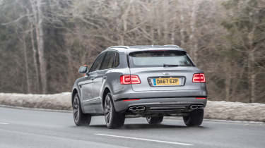Bentley Bentayga V8 – rear