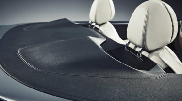 BMW 8-series Convertible - tonneau