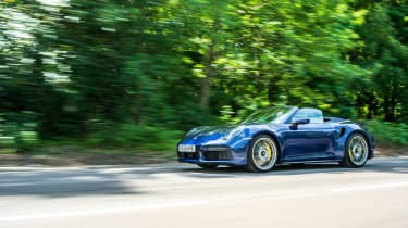 Porsche 911 Turbo S Cabriolet – front tracking