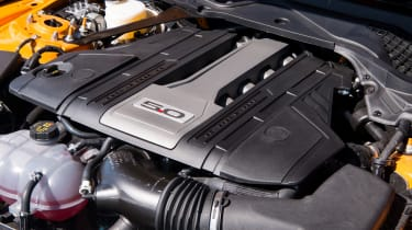Ford Mustang 5.0 V8 GT - engine