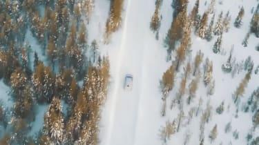 Lamborghini Urus snow video – top shot