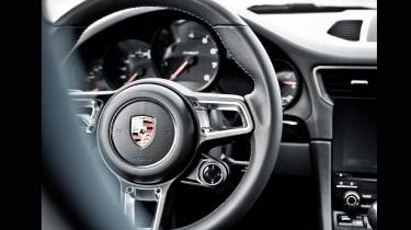 Porsche 911 Carrera T – steering wheel
