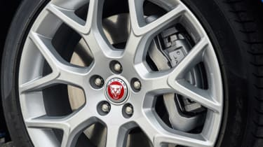 Jaguar F-type four-cylinder alloy wheel