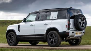 Land Rover Defender 110 P400 – rear side static