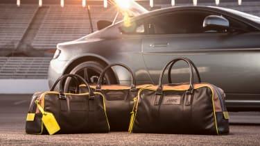 Aston Martin AMR Vantage - luggage