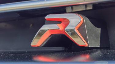 Peugeot RCZ R grille badge
