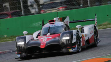 Toyota TS050 - front