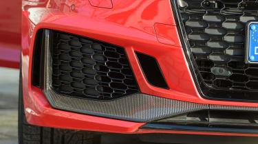 Audi RS4 – front air intake