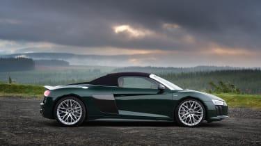 Audi R8 V10 Plus Spyder – side (roof up)