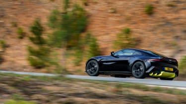 Aston Martin Vantage - black side