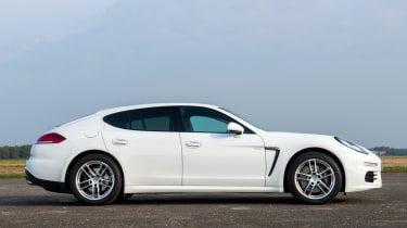 Porsche Panamera Diesel side profile