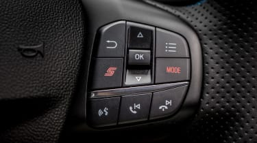 Ford Focus ST Edition – S button