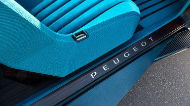 Peugeot e-Legend concept - seats