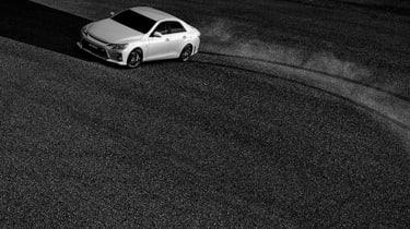 Toyota Mark X - slide