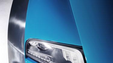 Bugatti Veyron Meo Costantini headlight