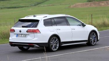 Golf R Estate 2020 spied - rear quarter