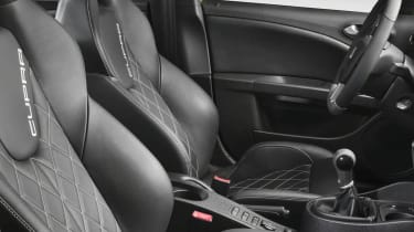 SEAT Leon Cupra [seats]