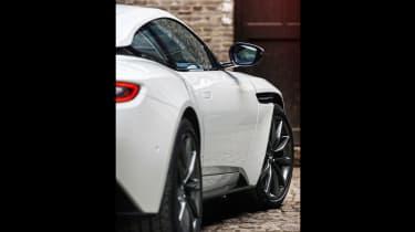 Aston Martin DB11 V8 - beauty