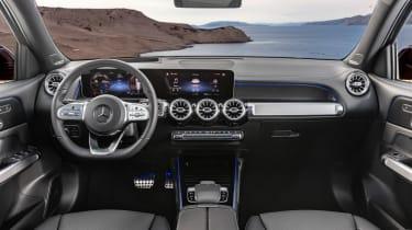 Mercedes GLB revealed - dash
