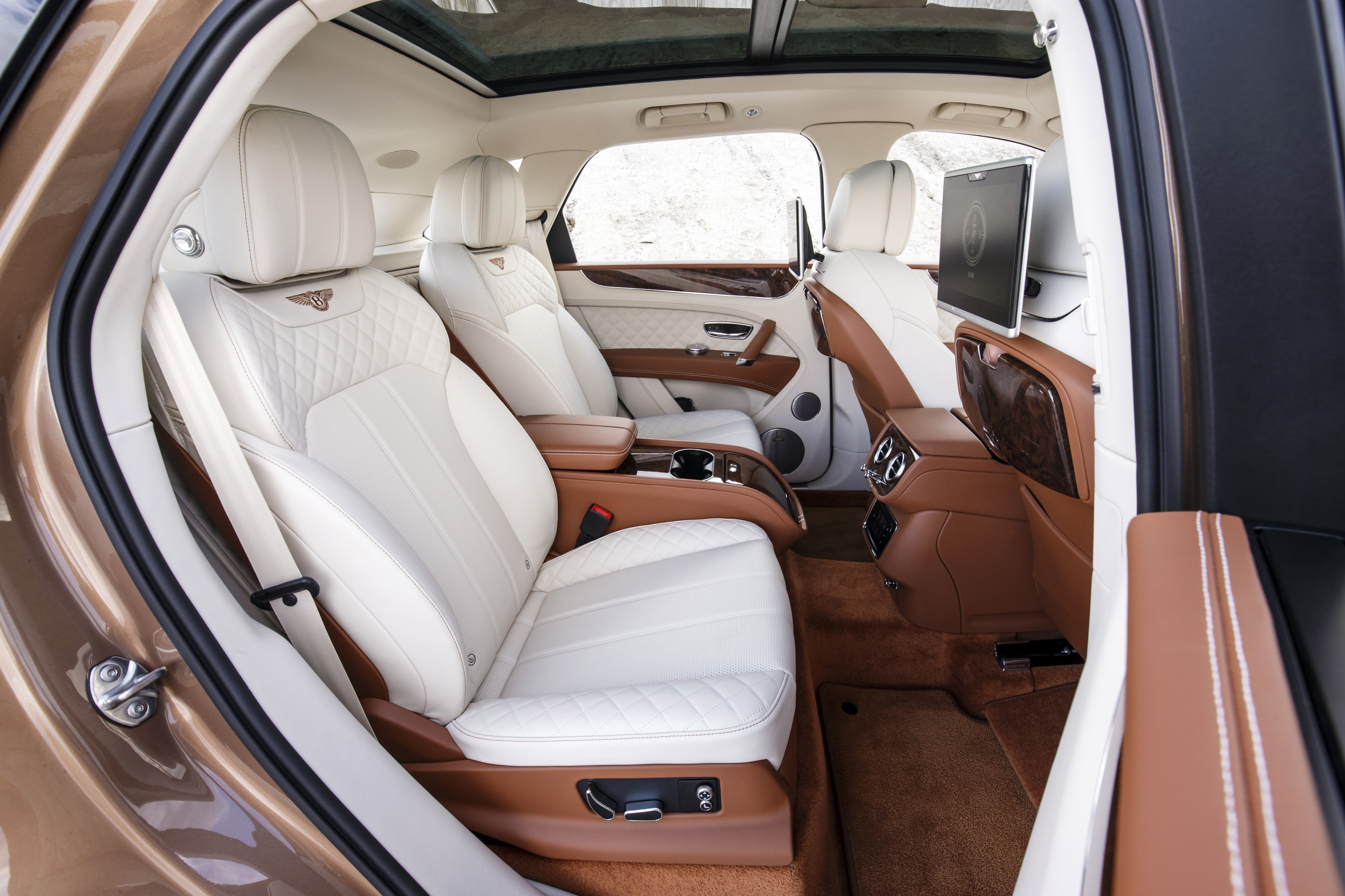 Bentley Bentayga Review The Ultimate Luxury Suv Interior And Tech Evo