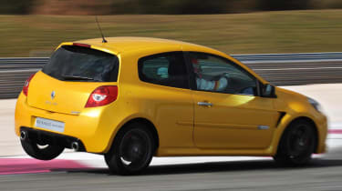 2011 Renaultsport trackday calendar revealed