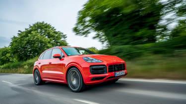 Porsche Cayenne GTS  – front tracking