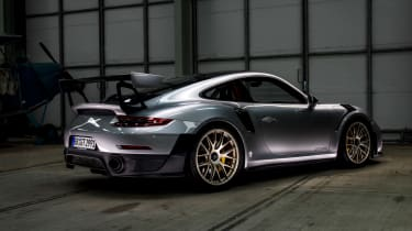 Porsche 911 GT2 RS - 991.2 static rear
