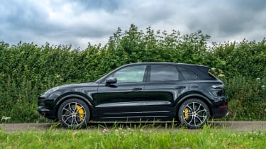 Porsche Cayenne Turbo - Profile