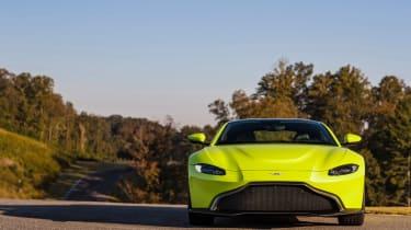 Aston Martin Vantage - green dynamic front