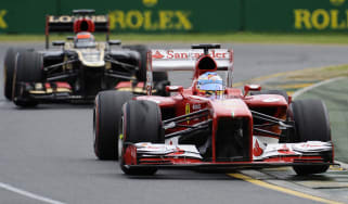 Alonso fights off Lotus attack, Melbourne 2013