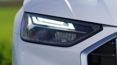 Audi Q5 2021 – headlights