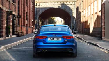 Jaguar XE facelift - tail